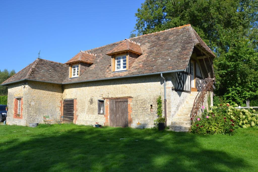 Maison d 39 hotes dans un ancien manoir en normandie pr s de for Ancien pressoir de la maison jaune